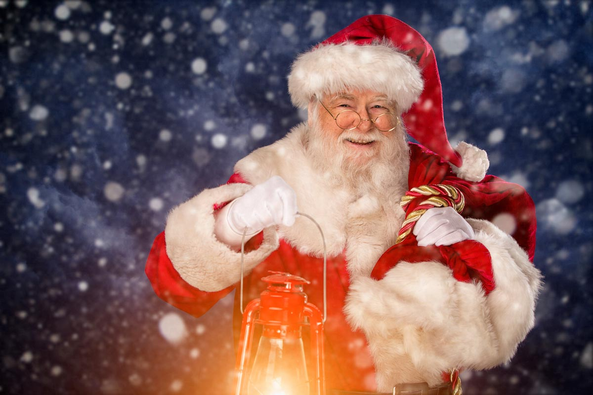 Santa-Claus-Lantern-Light-Christmas